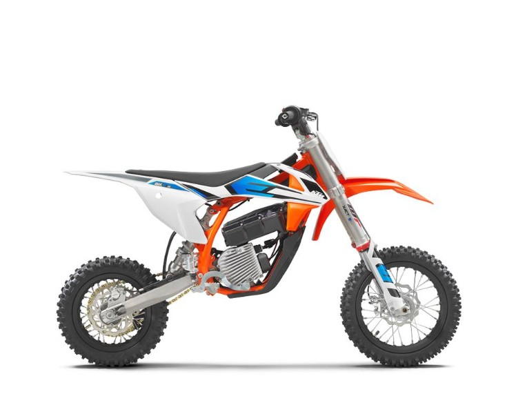 KTM SX-E 5 2022,