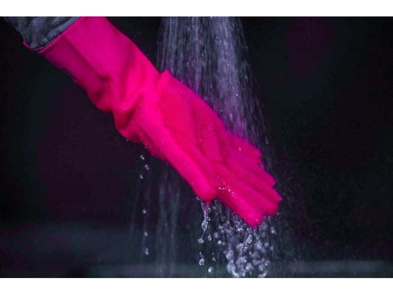 Muc-Off Deep Scrubber Gloves sind einfach zu reinigen