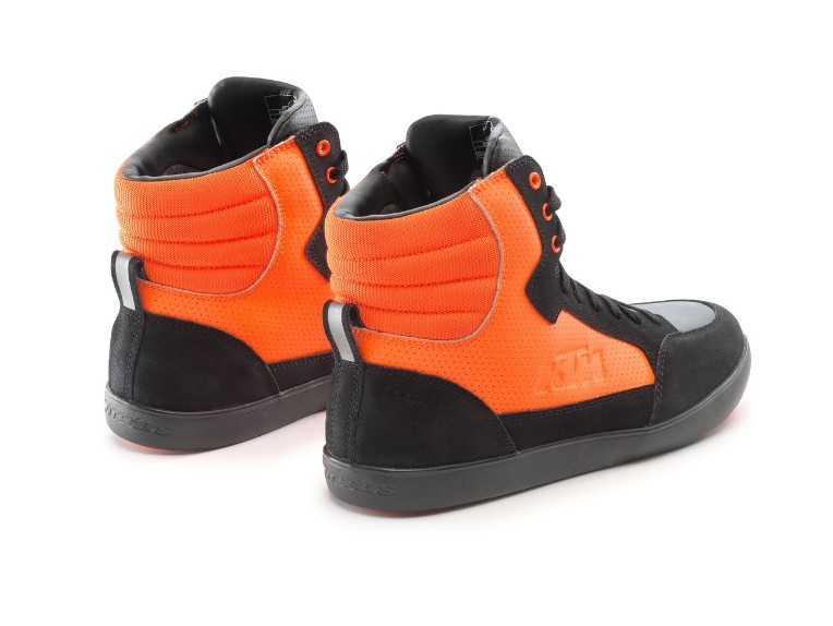 pho_pw_pers_rs_361610_3pw21000690x_j_6_air_shoes_back__sall__awsg__v1