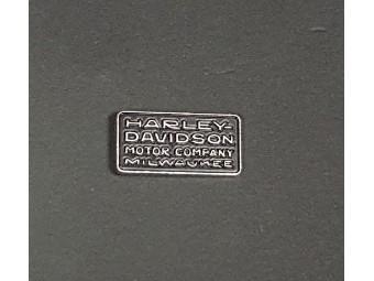 20s Deko-Schriftart Pin, Milwaukee Pin, Harley-Davidson, schwarz