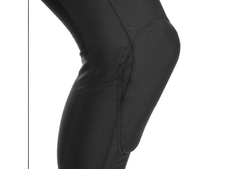 genou-sous-pantalon