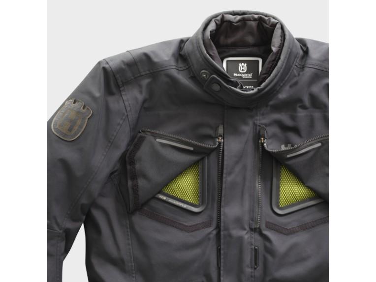 pho_hs_closeup_62380_3hs20003070x_pursuit_gtx_jacket_airflow_front__sall__awsg__v1