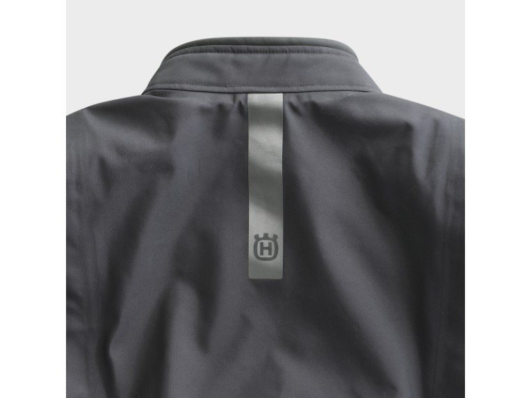 pho_hs_closeup_62383_3hs20003070x_pursuit_gtx_jacket_reflector_back__sall__awsg__v1
