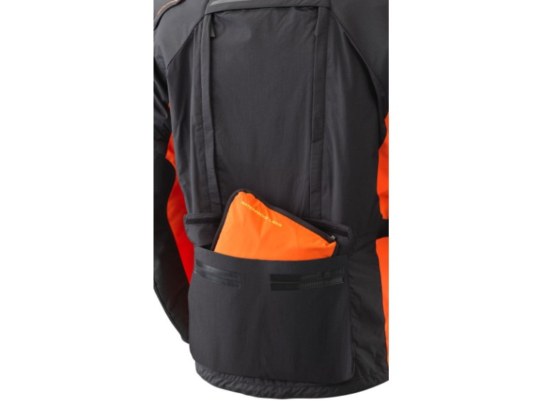 pho_pw_det_355353_3pw21000610x_terra_adventure_jacket__detail_waterproof_tasche__sall__awsg__v1