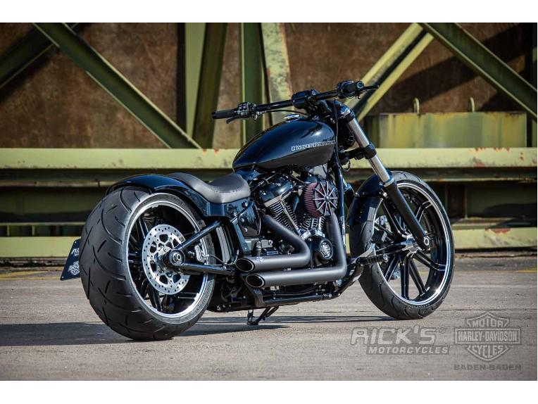 Harley-Davidson-Breakout-Custom-Ricks-001