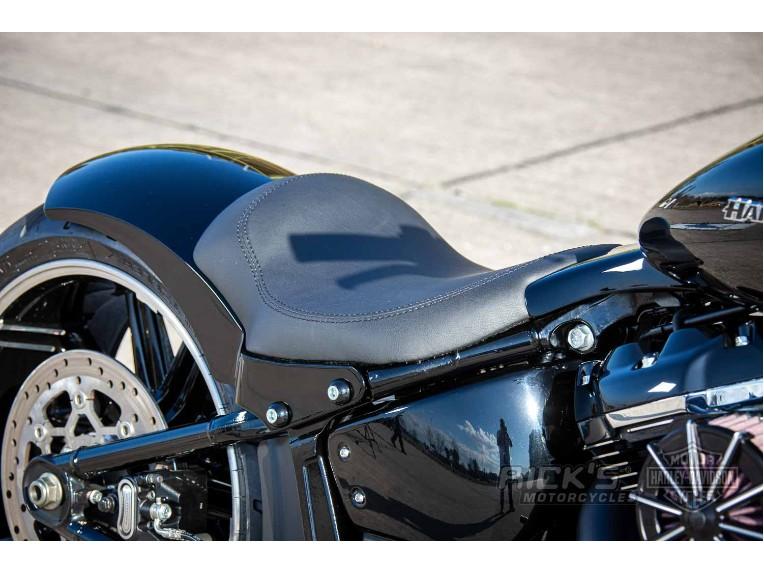 Harley-Davidson-Breakout-Custom-Ricks-032