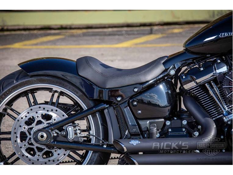 Harley-Davidson-Breakout-Custom-Ricks-042