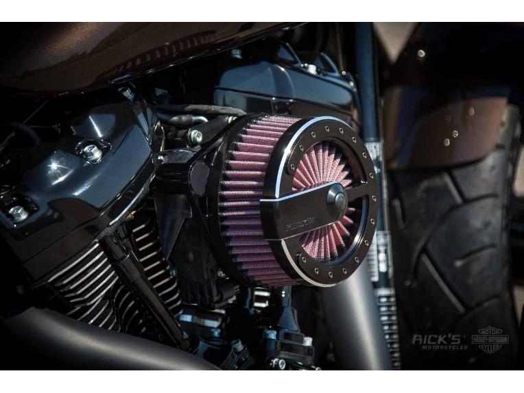 Harley-Davidson_Fat_Boy_-_Milwaukee_8_-_brown-023