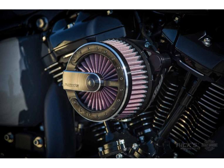 Harley-Davidson_Fat_Boy_-_Milwaukee_8_-_grey-032