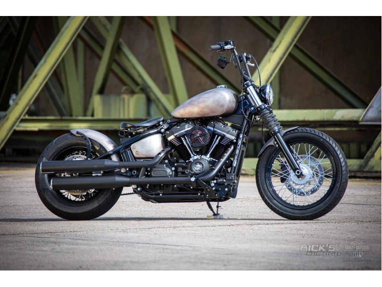 Harley-Davidson-Street_Bob_Bobber-Ricks-008