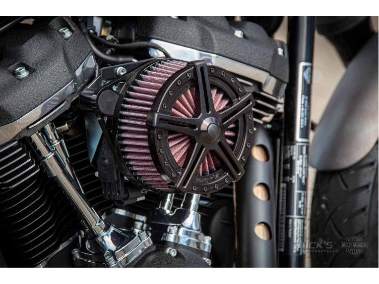 Harley-Davidson-Street_Bob_Bobber-Ricks-023