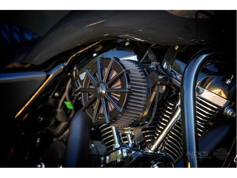 Harley-Davidson_Street_Glide-Custom-Ricks006_Kopie