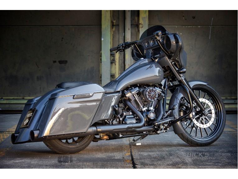 Harley-Davidson_Street_Glide-Custom-Ricks014_Kopie