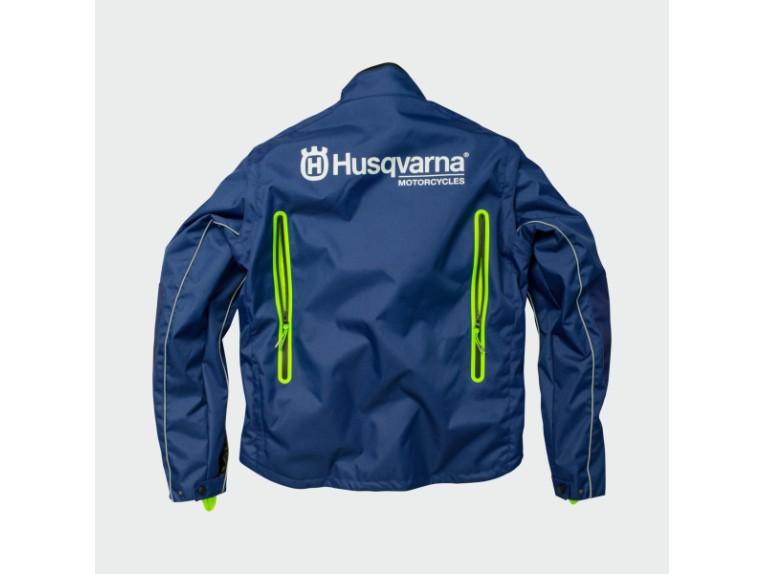 pho_hs_90_rs_45395_3hs182140x_gotland_jacket_back__sall__awsg__v1