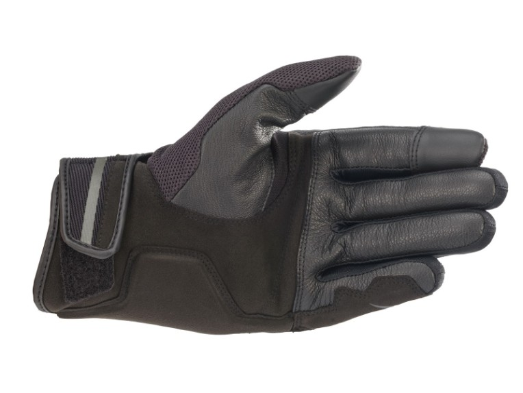 3568721-1681-ba_chrome-glove