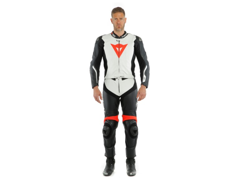 Dainese_Avro_2-Air_2PCS_Suit_black-white-fluo_red16