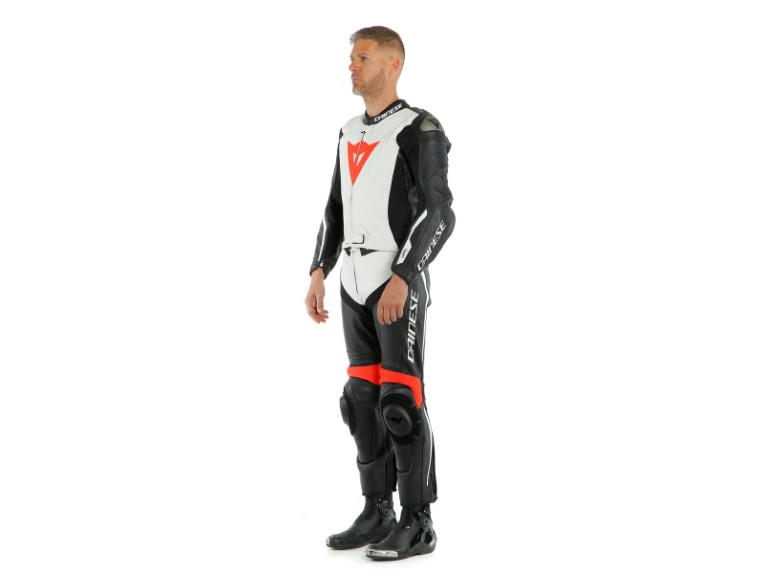 Dainese_Avro_2-Air_2PCS_Suit_black-white-fluo_red19