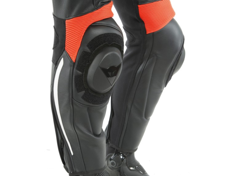 Dainese_Avro_2-Air_2PCS_Suit_black-white-fluo_red9