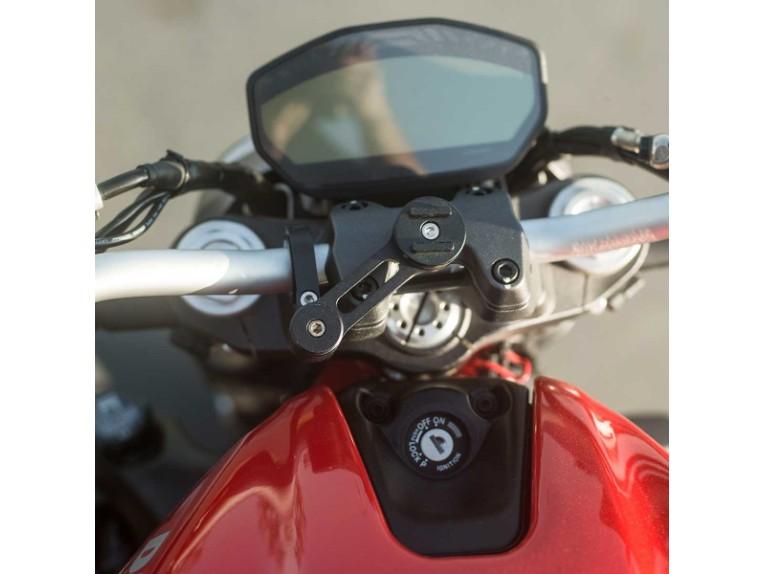 Moto-Mount-4_0195df5d-ae5b-4873-ae37-8206b31a9a09