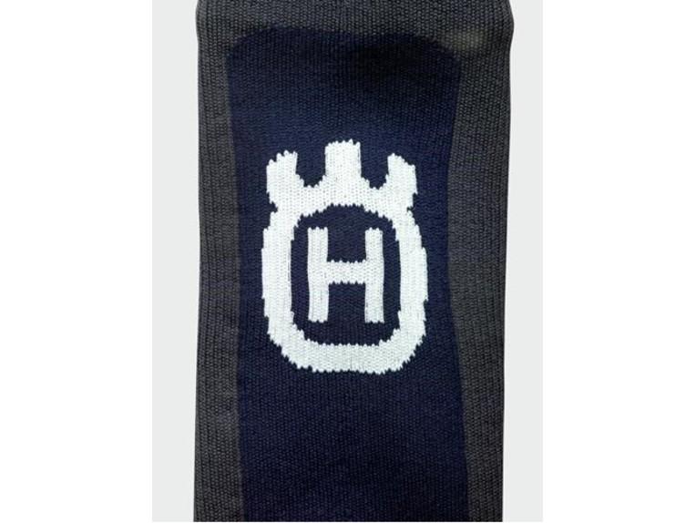 pho_hs_closeup_45503_3hs192030x_functional_waterproof_socks_close_up3__sall__awsg__v1