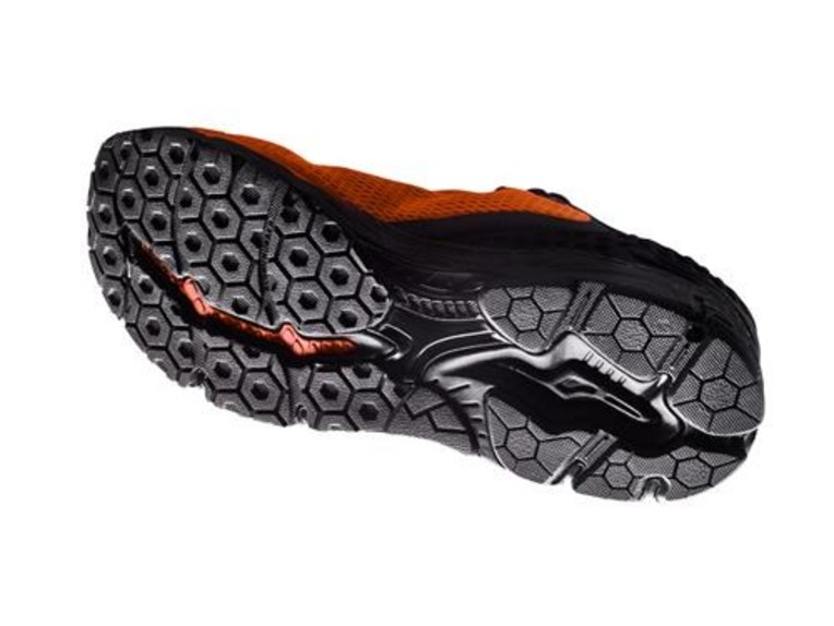 pho_pw_closeup_231680_3pw19719xx_corporate_shoes_close_up_white__sall__awsg__v1