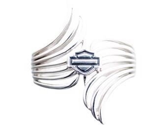 Fingerring Pierced Double Wing
