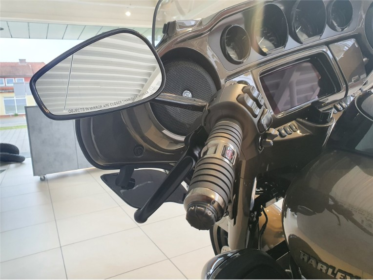 HARLEY-DAVIDSON FLHTKSE CVO Ultra Limited, 5HD1TEH43MB952993