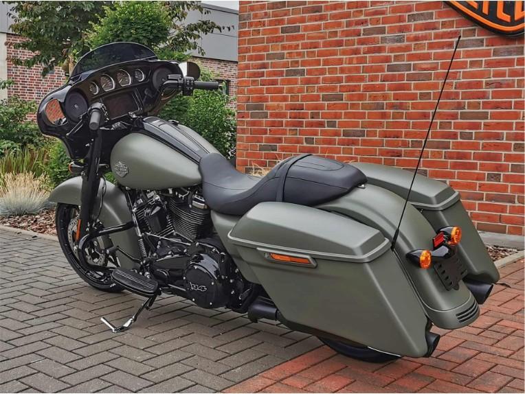 HARLEY-DAVIDSON FLHXS Street Glide Special, 5HD1KRP43MS633475