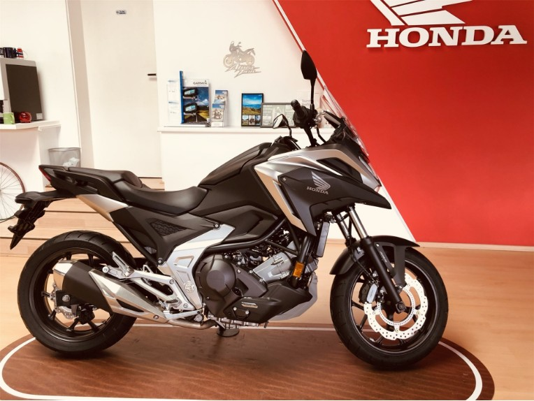 HONDA NC750X, JH2RH09A3MK000488