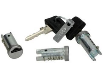 Schliesszylinder Satz Piaggio alle (ausser Zip) 3 Zylinder mit 2 Schlü