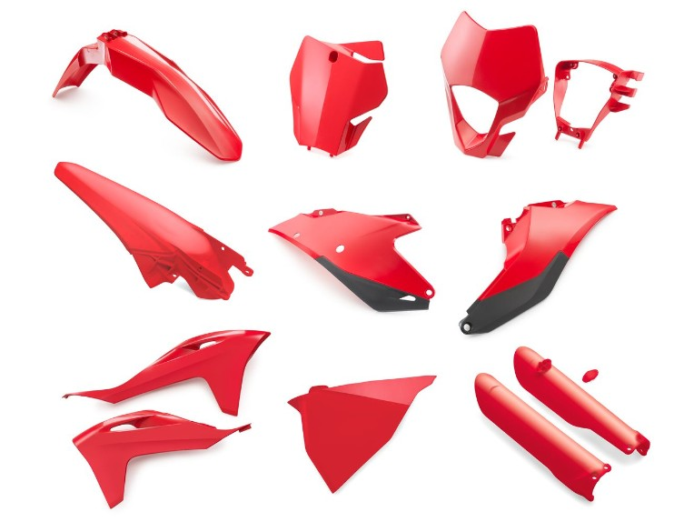 pho_gg_pp_nmon_00010000348_plastic_parts_kit_red__sall__awsg__v1